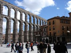 Acueducto de Segovia junto a la Plaza del Azoguejo