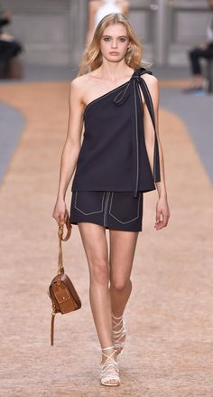Look 5 from the Chloé Spring-Summer 2016 collection