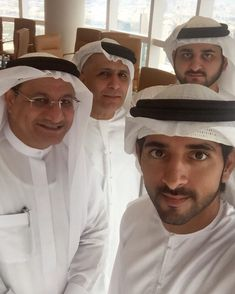 Royal Family Pictures, Handsome Arab Men, Prince Mohammed, Prince Crown, Love You Very Much, Dubai City, My Prince Charming, Poses For Men, Love Poems