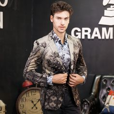 Mens Floral Blazer Brand Casual Blazer Jacket Men Gold Flower Fashion Print Blazers Male Prom Party Stage Wear Pure And Mild Flavor Blazers