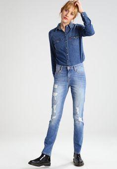 ¡Consigue este tipo de vaquero slim de Lee ahora! Haz clic para ver los detalles. Envíos gratis a toda España. Lee ELLY Vaqueros slim fit pacific: Lee ELLY Vaqueros slim fit pacific Ofertas   | Material exterior: 98% algodón, 2% elastano | Ofertas ¡Haz tu pedido   y disfruta de gastos de enví-o gratuitos! (vaquero slim, fit, ajustado, ajustados, stretch, jeans slim fit, jeans slim, jean slim, jeans slim, slim)