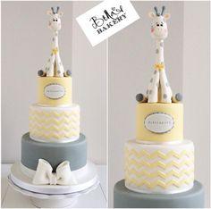 Giraffe baby shower cake Bella's Bakery