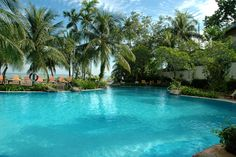 Nothing beats a pool by the beach! I had  fun while at Dalat swimming in this pool.