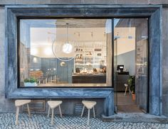 Located in the historic neighborhood of Lisbon's Príncipe Real, Deli, a new cafeteria designed by local architectural practice DC.AD, offers an all-day service in a clean-cut environment of minimal elegance and retro vibes.