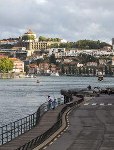 Melhores Vistas Porto www.webook.pt #webookporto #porto #bestviews Places To Travel, Places To Visit, Porto City, Sea Activities, Easy Jet, Porto Portugal, Douro, Sunny Beach, Places Of Interest