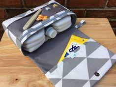 Graue Dreieck Wickeltasche Geschenk für junge Eltern graue
