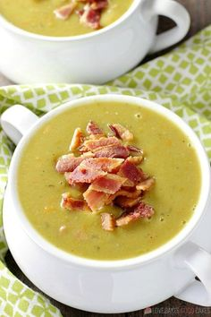 This delicious and healthy Slow Cooker Split Pea Soup is a cinch to put together. Serve it with a crusty bread for an easy, affordable meal. — PIN THIS RECIPE — I'm beginning to think that winter Healthy Slow Cooker, Slow Cooker Soup, Healthy Crockpot Recipes, Easy Chicken Recipes, Slow Cooker Recipes, Cooking Recipes, Pea And Ham Soup, Pea Soup, Slimming World Soup Recipes