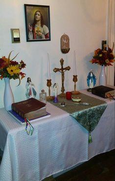 Home Altar, Heart Of Jesus, Altars, Sacred Heart, Catholic, Home Decor, Religious Pictures, Decoration Home, Room Decor