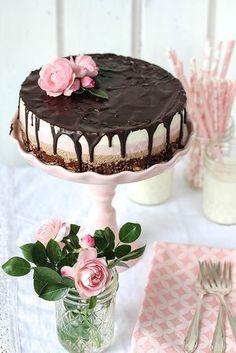 Nutella-Strawberry-Cake