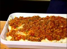 Turkey Sausage & Goat Cheese Lasagna from Ina Garten (Barefoot Contessa). This was the best lasagna I've had. The turkey sausage gave it a spicy edge and we love goat cheese in anything! This was delicious! Turkey Lasagna, Sausage Lasagna, Cheese Lasagna, Veggie Lasagna, Spinach Lasagna, Pasta Recipes, Dinner Recipes, Cooking Recipes, Healthy Recipes