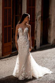 Wedding Dress Sizes, Bridal Wedding Dresses, Bridal Outfits, Bridal Style, Bridesmaid Dresses, Lace Wedding, Designer Gowns, Designer Wedding Dresses, Bridal And Formal