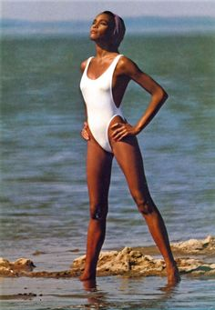 40 Rare and Stunning Photographs of a Young and Beautiful Whitney Houston From the ~ vintage everyday Whitney Houston 80s, Whitney Houston Pictures, Bikinis, Swimsuits, Swimwear, Young And Beautiful, Beautiful Black Women, Beverly Hills, Dona Summer