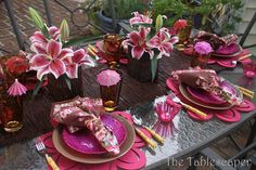 tropical 002 The Tablescaper Tropical Party, Tropical Style, Caribbean Party, Come Dine With Me, Dining Decor, Dining Room, Dining Table, Beautiful Table Settings, Party Table Decorations