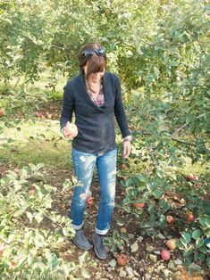 Shana of Ain't No Mom Jeans wears Clarks gray Desert Boots with boyfriend jeans