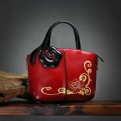 Woman's large tote bag entirely made in italian genuine leather. Interior unlined, removable cotton bag with zip closure and phone holder pocket. Bag without closure. Tote Handbags, Cross Body Handbags, Work Purse, Small Tote Bags, Backpack Purse, Cotton Bag, Italian Leather, Leather Bag, Shoulder Bag
