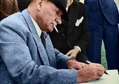 Here are the colored Atatürk photos - - Henna, Painted Vans, The Legend Of Heroes, Turkish Art, Old Watches, Most Beautiful Wallpaper, Great Leaders, Historical Pictures, Black And White Photography