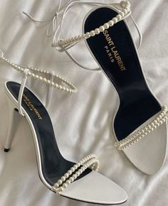 Dr Shoes, Hype Shoes, Me Too Shoes, Fancy Shoes, Pretty Shoes, Ysl Heels, High Heels, Heeled Boots, Shoe Boots
