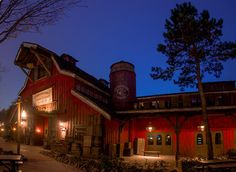 Disneyland Paris has some really well-themed restaurants (eat inside a barn, ha!). Here are the top 10.