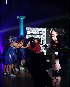 miss A's Suzy spotted giving fan service on 'Let's Go Dream Team 2′ set