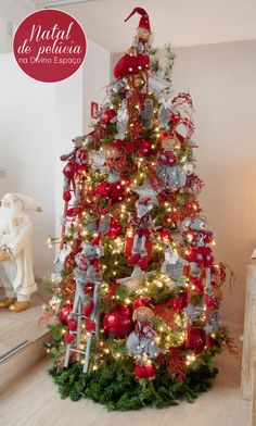 The Christmas tree with stuffed animals! Christmas Mantels, Christmas Trees, Christmas Holidays, Christmas Decorations, Xmas, Holiday Decorating, Christmas Is Coming, All Things Christmas, Holiday Tree