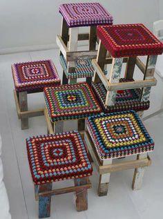new ideas crochet pillow cover mandala Crochet Cushion Cover, Crochet Cushions, Crochet Pillow, Diy Crochet, Crochet Crafts, Crochet Projects, Crochet Ideas, Crochet Tops, Crochet Motifs