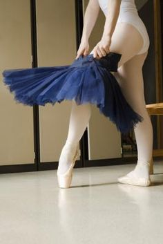 How to Make a No-Sew, Tie-at-the-Waist Tutu for an Adult Could make do for Halloween.