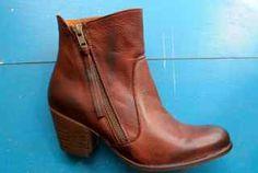Heart Throb Kiss boot