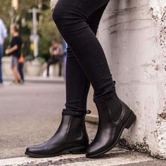 (paid link) Simple Ways to Style Chelsea Boots (for Women):. --To view further for this article, visit the image link. Shoe Wardrobe, Wardrobe Staples, Expensive Shoes, Duck Boots, Men's Boots, Flat Boots, Boho Boots, Heel Boots, Snow Boots