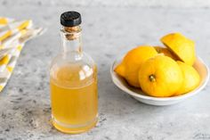 Turn sugar and fresh lemons into a lovely, delicious, perfectly drizzle-able Lemon Simple Syrup with this easy recipe. Triple Sec, Mojito, How To Make Syrup, Gin, Flavored Olive Oil, Lemon Olive Oil, Lemon Lime, Homemade Syrup, Tips