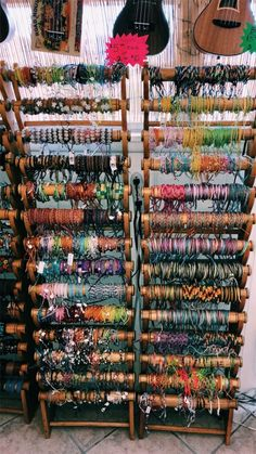 Bracelets , necklaces, etc Mundo Hippie, Estilo Hippie, Summer Bracelets, Cute Bracelets, Hippie Bracelets, Leather Bracelets, Handmade Bracelets, Jewelry Bracelets, Cute Jewelry