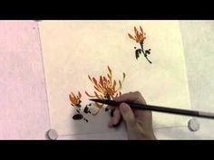 Virginia Lloyd-Davies paints a spider chrysanthemum in Chinese brush style. Read her blog at http://www.joyfulbrush.com/blog and follow her on http://www.fac...