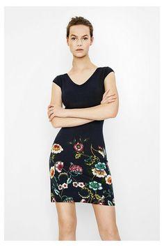 Vestido Mari Desigual. ¡Descubre la colección primavera-verano 2017!