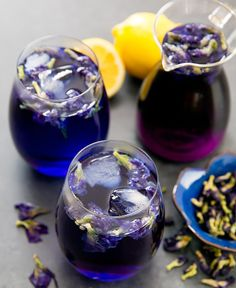 This Butterfly Pea Flower Tea Lemonade drink is naturally purple because it is made with butterfly pea flower tea, a caffeine-free herbal tea. The tea is derived from the leaves of the butterfly pea plant that is common to South East Asia. Grog, Butterfly Pea Flower Tea, Organic Loose Leaf Tea, Lemon Drink, Herbal Tea, Tea Recipes, High Tea, Stevia, Drinking Tea