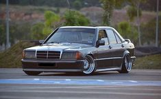 Mercedes Benz 190e, Mercedes 190, Classic Mercedes, Car Tuning, Old Cars, Cars And Motorcycles, Truck, Fan, Friends