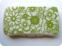 vinyl wipes case cover for the new mommies like me who are desperate for style wherever they can apply it ;)