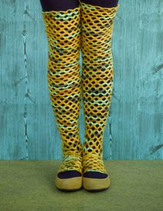 Scallop crochet legwarmers