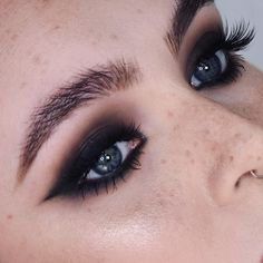 out cat eyes. 🐾 _ Eyes Glide on Eye Pencil Perversion, Shade + Light Eye Contour Palette in…Blown out cat eyes. 🐾 _ Eyes Glide on Eye Pencil Perversion, Shade + Light Eye Contour Palette in… Makeup Trends, Makeup Inspo, Makeup Inspiration, Makeup Goals, Makeup Tips, Beauty Makeup, Makeup Ideas, Makeup Tutorials, Eye Contour