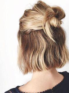 Hair hair styles hair color hair cuts hair color ideas for brunettes hair color ideas Short Hair Styles Easy, Short Hair Cuts, Styling Short Hair Bob, Short Blunt Haircut, Short Blunt Bob, Short Wavy, Quick Hairstyles, Pretty Hairstyles, Hairstyle Ideas