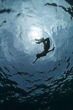 The Captivating Underwater Photographs of Enric Adrian Gener