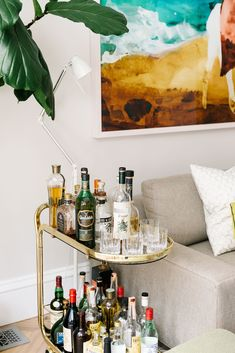 Our CEO and founder, Noa Santos, shares his tips for styling a bar cart.