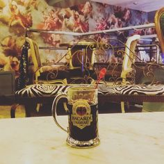 """Drinking hot wine in a beer glass at a """"sky"""" hell yeah!  #wine #hotwine #vinchaud #bar #escapegame Instagram:sarah.tekhil"""