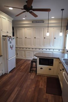Farmhouse Kitchen Makeover - farmhouse - Kitchen - Grand Rapids - Thompson Remodeling