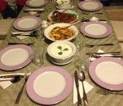 Akşam Açık Havada Yemek Keyfi / In the Evening Enjoy Outdoor Dining  Photo By www.nesedentarifler.com