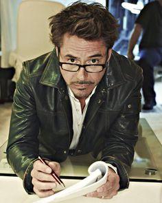 Back To School: Professor Downey Jr. Tony Stank, Robert Downey Jr., Anthony Edwards, I Robert, Man Thing Marvel, Iron Man Tony Stark, Marvel Actors, Downey Junior, Hollywood Actor