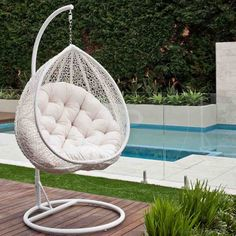 Hanging Egg Chair - Outdoor Rattan Wicker - White
