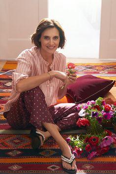 Ines de la Fressange - L'ambassadrice de Roger Vivier ~ Follow my board (La Parisienne @ Lyne Labrèche) for more inspiration!