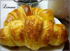 Express croissant (in hungarian) Croissant Bread, Bread Bun, Pastry Recipes, Bread Recipes, Cake Recipes, Ital Food, Hungarian Recipes, Bread And Pastries, Creative Food