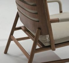 Armchairs seating yoda kenneth cobonpue kenneth for Chaise yoda