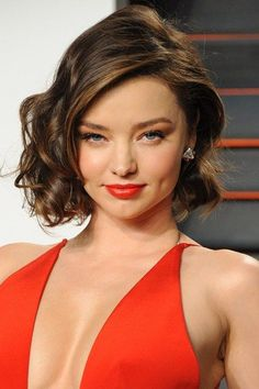 17 Fashionable Celebrity Bob Haircuts to Copy: #9. Miranda Kerr Side-Parted Wavy Bob Haircut