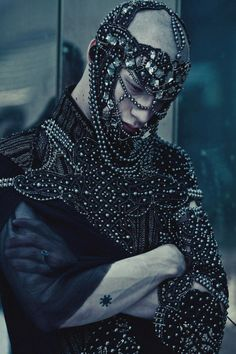 Maxsim Medvedev by Ekaterina Belinskaya for GUN L'HOMME magazine mens festival fashion art you can wear studded headdress and shoulder jewelry, all black and silver leather jacket with ornate beading and gem stones Dark Fashion, High Fashion, Gothic Fashion, Luxury Fashion, Men's Fashion, Mode Sombre, Post Apocalyptic Fashion, Mode Editorials, Dark Beauty
